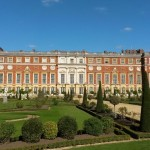 Hampton Court  jako Versailles v Anglii